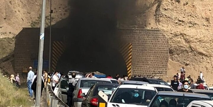 آتش گرفتن  پژو ۲۰۷ در تونل آزادراه تهران پردیس/ جزئیات