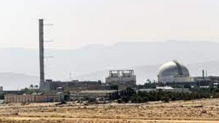 لحظه برخورد یک موشک سوری به تاسیسات دیمونا در اسرائیل / فیلم