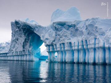 ذوب شدن بزرگترین کوه یخی در جهان / فیلم