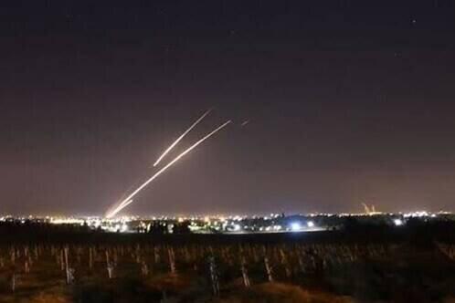 لحظه حمله موشکی نیروهای مقاومت فلسطین به شهرکهای صهیونیستی / فطلم