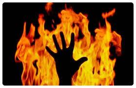 پسر تهرانی دختر مورد علاقهاش را با بنزین آتش زد!