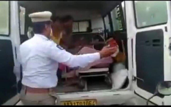 ویدئو عجیب و ناراحت کننده از مرگ هندیها در خیابان/ فیلم
