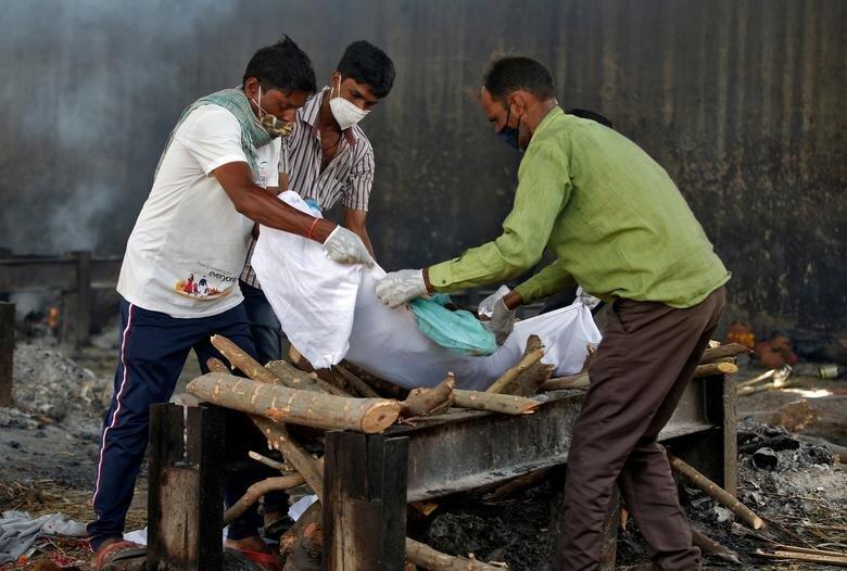 تصاویری دردناک از وضعیت هند پس از شیوع ویروس جهش یافته