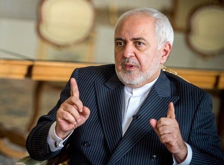 مجوز دیدار با جان کری را از رهبر انقلاب گرفته بودم / مرگ بر آمریکا برای احمدی نژاد تنها یک شعار است