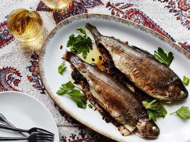 ماهی شکم پر خوشمزه با زرشک +طرز تهیه