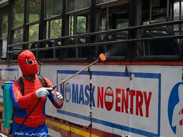 ضدعفونی کردن شهر بمبئی توسط مرد عنکبوتی/ تصاویر
