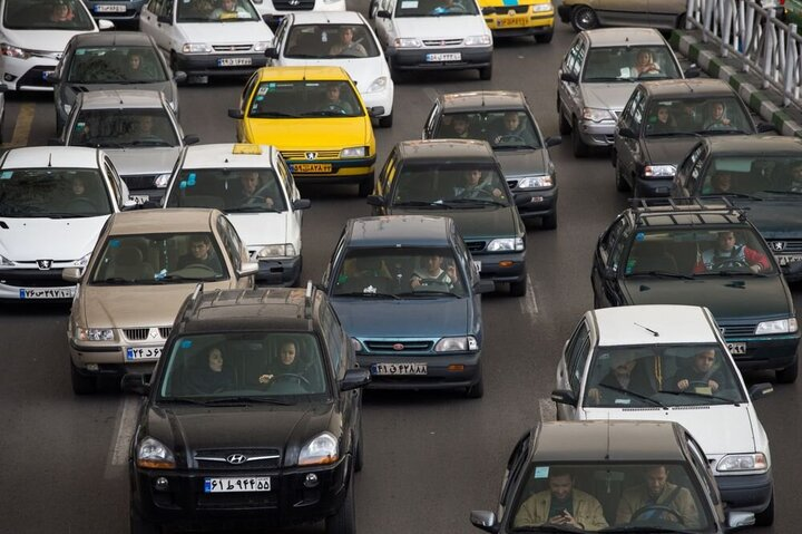 کاهش قیمت خودرو در بازار شروع شد / قیمت روز خودرو ۸ اردیبهشت ۱۴۰۰ + جدول