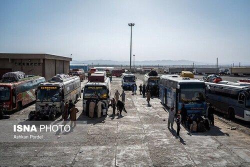 ممنوعیت تردد مسافر و کالا از مرز پاکستان و هند به گمرک ابلاغ نشده و مسافران میآیند و میروند!