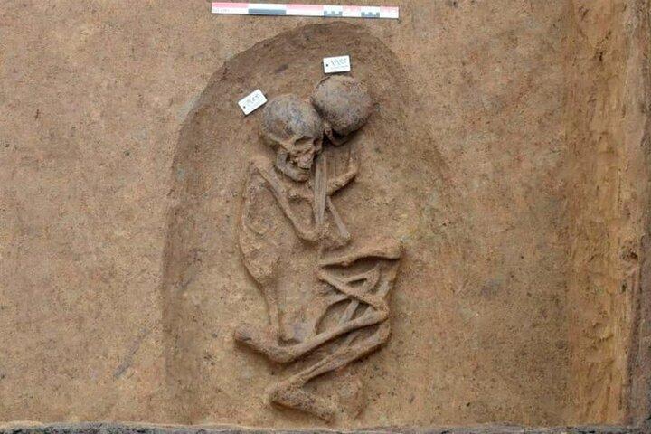 باستانشناسان در مصر گورهای باستانی عجیبی کشف کردند
