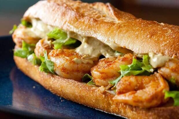 نحوه درست کردن ساندویچ میگو در خانه