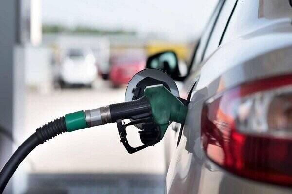 شیوه جالب فراریدادن سارقان در پمپ بنزین / فیلم