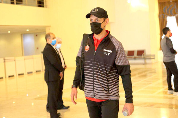 اعتراض گلمحمدی به قرنطینه بازیکنان پرسپولیس