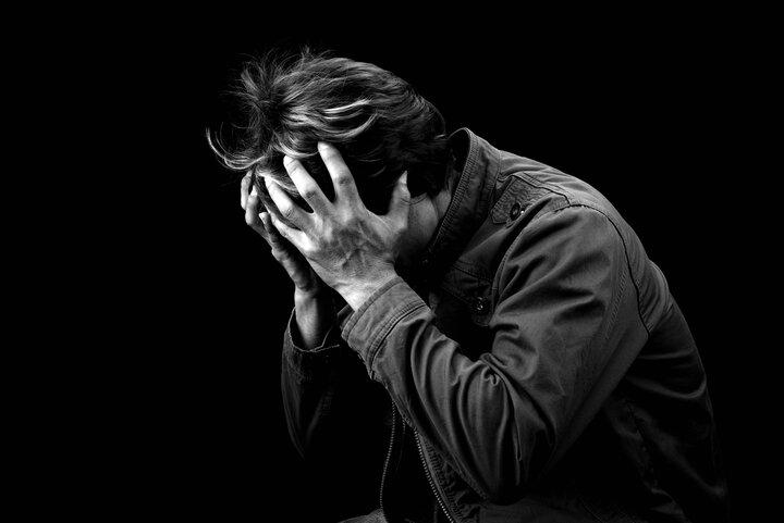 علائم جسمی که نشان میدهد شما دچار افسردگی شدهاید