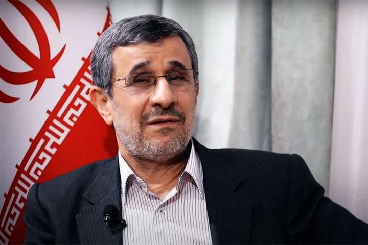 احمدینژاد، واکسن فایرز تزریق کرده است!