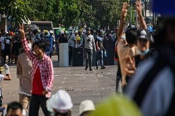 کشته شدن ۸ معترض کودتا در میانمار