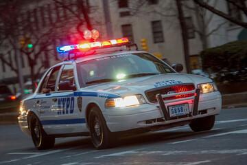 برخورد شدید چند ماشین پلیس با یکدیگر / فیلم