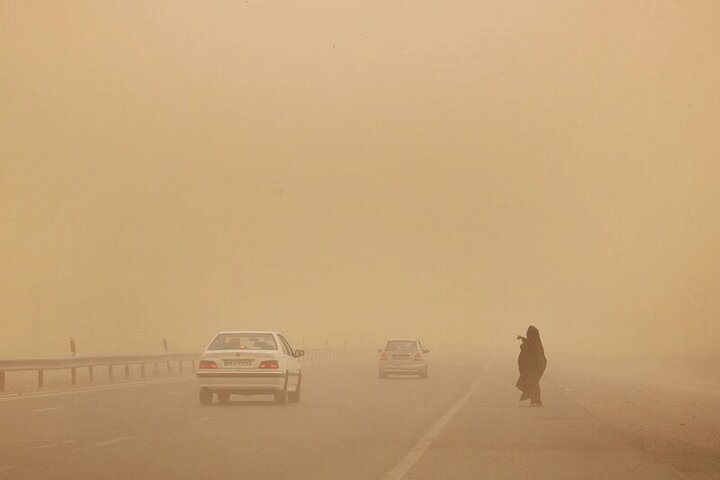 تصاویری از طوفان شن در ایرانشهر / فیلم