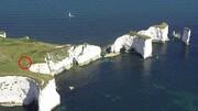سقوط وحشتناک گردشگر از صخره ۳۶ متری حین گرفتن عکس سلفی! / تصاویر