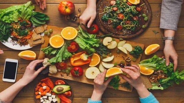 درمان مشکلات پوستی با برنامه غذایی مفید