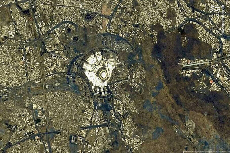 نمای متفاوت خانه خدا از فضا / عکس