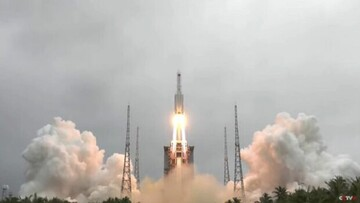 موشک از کنترل خارج شده ایستگاه فضایی چین هفته آینده به زمین برخورد میکند / مکان فرود موشک مشخص نیست