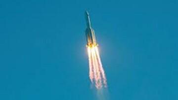 تصاویری از موشک چینی در حال نزدیک شدن به زمین / فیلم