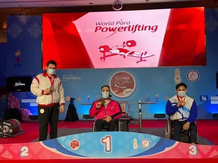 وزنهبردار ایرانی رکورد جهان را شکست