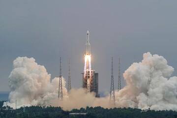 نگرانی از برخورد موشک غولپیکر چینی به زمین چقدر جدی است؟