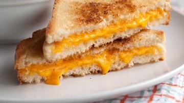 نحوه درست کردن پنیر با نان تست