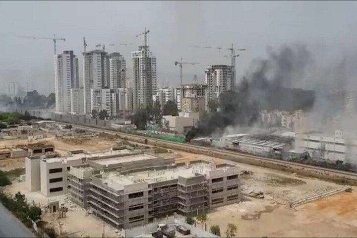 وقوع آتشسوزی گسترده در نزدیکی کارخانه صنایع نظامی رژیم صهیونیستی