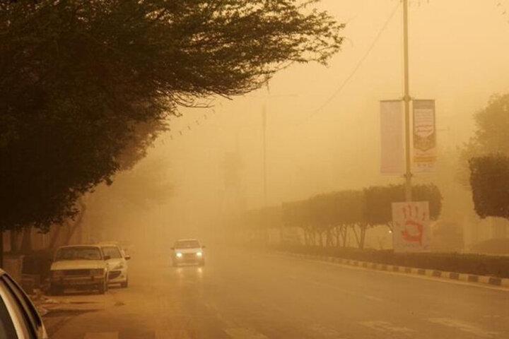 تصاویری عجیب از گرد و غبار شدید در کرمان / فیلم