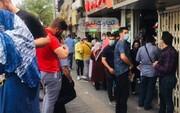 دلالان در بازار نزولی ارز به فروش نوبت و خرید سهمیه روی آوردهاند!