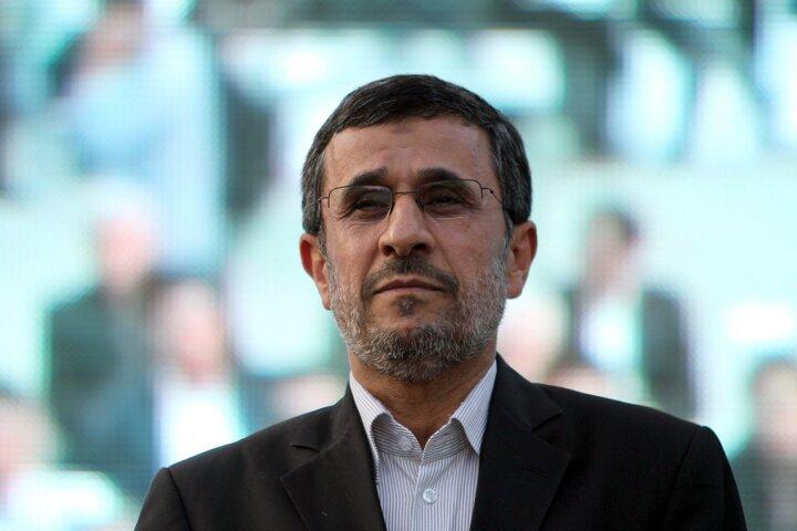 محمود احمدینژاد در انتخابات ریاست جمهوری ۱۴۰۰ ثبت نام کرد