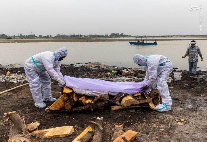 تصاویری تلخ از کشف اجساد بیماران کرونایی در رودخانه / فیلم