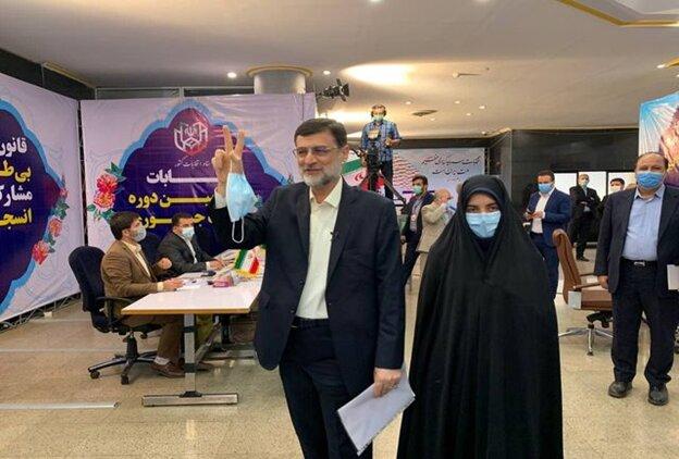 قاضیزاده هاشمی برای انتخابات ریاست جمهوری ثبت نام کرد