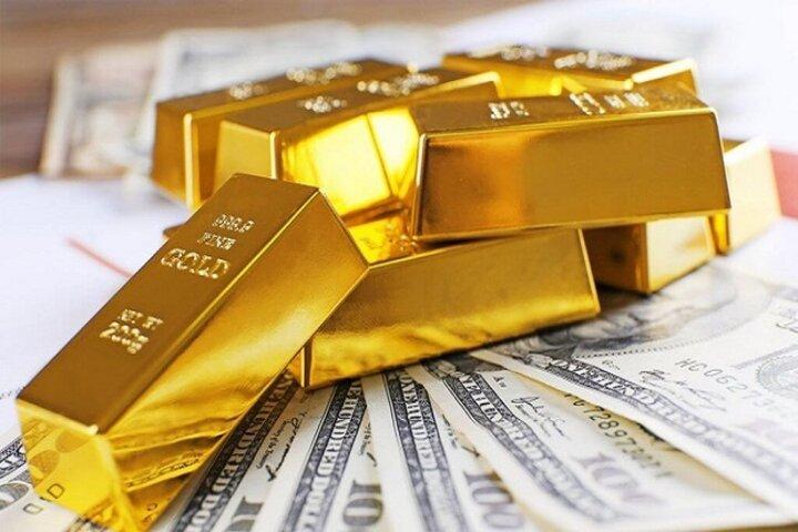 کاهش ۰.۵۰ درصدی قیمت جهانی طلا   قیمت هر اونس طلا به ۱٫۸۲۷.۷۷ رسید