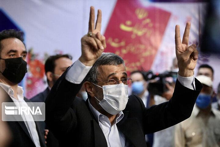 واکنش عجیب احمدینژاد به خبر واکسن زدنش: معلوم شد جنس خوب زدند! / فیلم