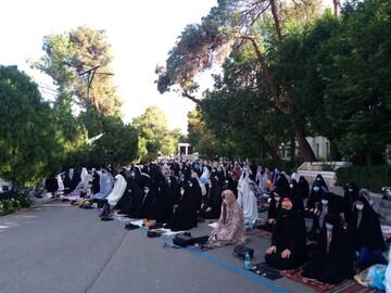 اقامه نماز عید فطر به امامت حجتالاسلام رستمی در دانشگاه تهران