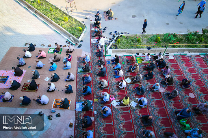 نماز عید قربان چند قنوت دارد