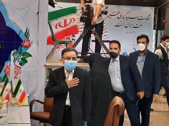ورود مصطفی تاجزاده به ستاد انتخابات کشور