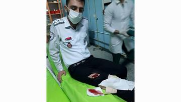 حمله با چاقو به نیروهای اورژانس در سقز! / عکس