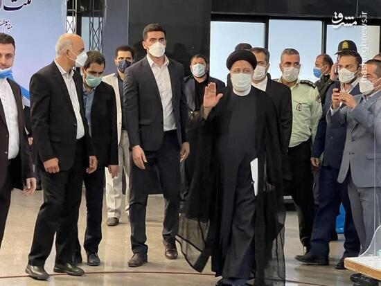 کارت ملی رئیسی در محل ثبت نام انتخابات ریاست جمهوری جنجالی شد / عکس