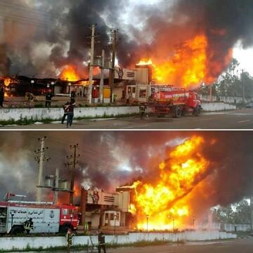 یک مجموعه تجاری در بندر انزلی آتش گرفت