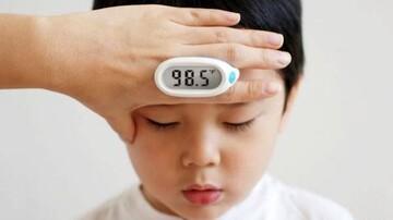 پایین آوردن تب و کاهش دمای بدن با چند روش فوری و ساده در منزل