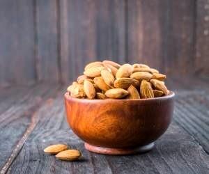 ۱۲ دلیل مهم برای خوردن  روزانه بادام