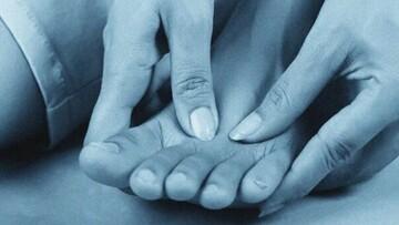 سندرم انگشت پای آبی چیست و چگونه ایجاد میشود؟