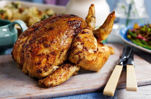 آموزش پخت مرغ شکمپر بدون استفاده از فر