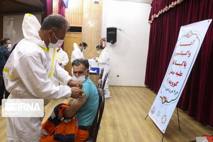 واکسن بزنید؛ عوارض واکسن کرونا از عوارض بیماری بسیار کمتر است