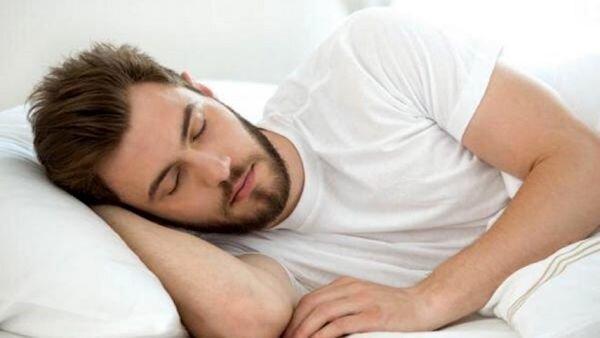 اگر در طول روز احساس خواب آلودگی دارید، این بیماری خطرناک در کمین شماست
