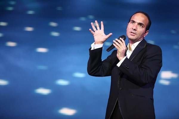سوژه شدن کاندیدای انتخابات ریاست جمهوری در روز ثبتنام توسط حسنریوندی / فیلم